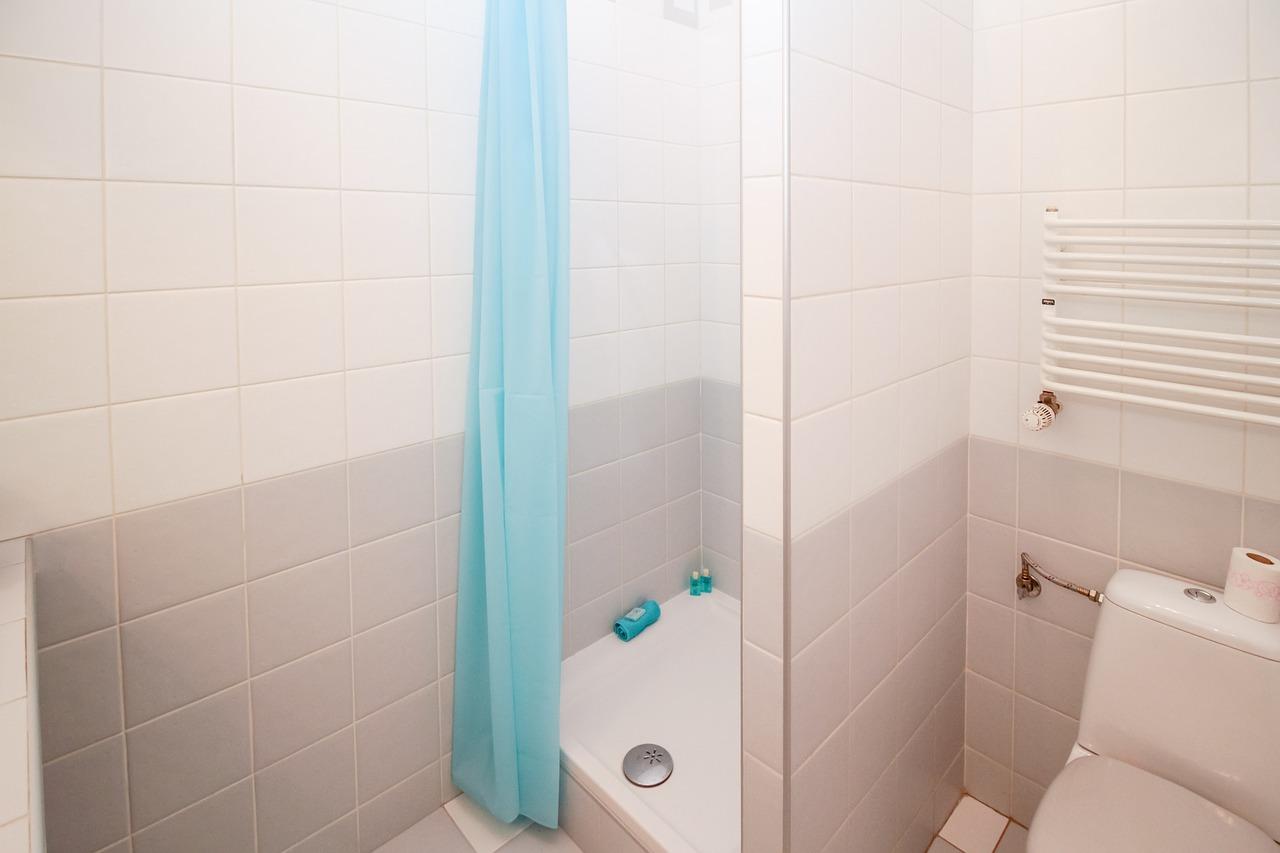 Qué cambiar en un baño de personas con movilidad reducida