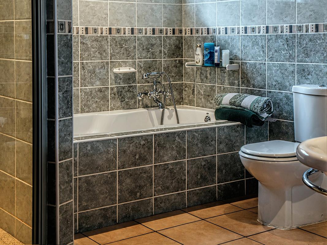 Como limpiar las juntas de los baños